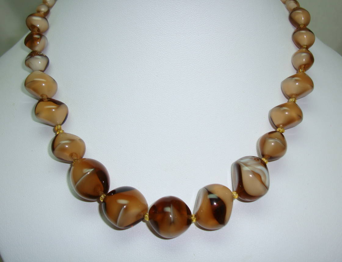 Vintage 30s Unique Mink Brown Art Glass Swirl Bead Graduating Necklace