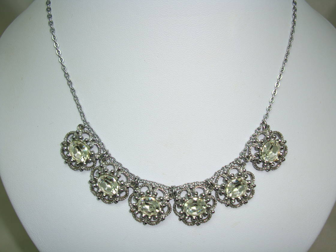 £45.00 - Vintags 30s Ornate Paste Diamante Fancy Round Movable Link Necklace