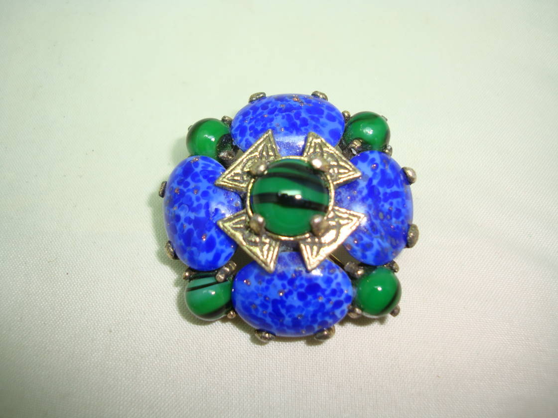 £25.00 - Vintage 50s Signed Miracle Cobolt Blue and Green Agate Glass Brooch
