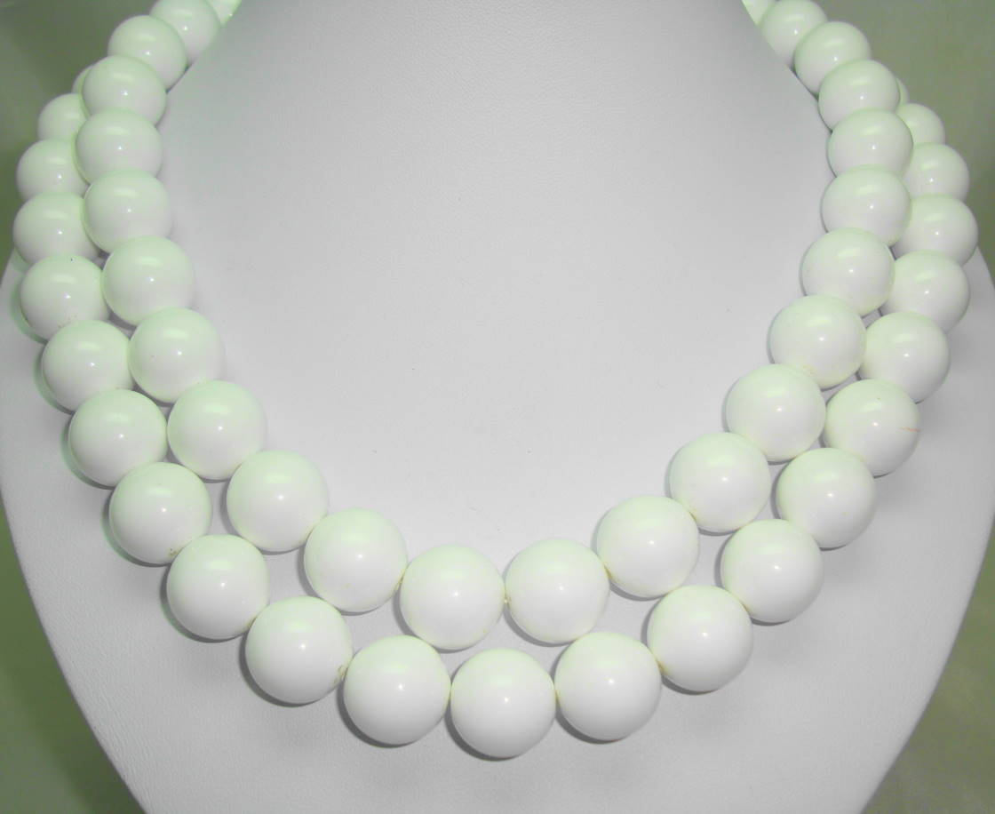 Vintage 80s Signed Monet Two Row Chunky White Bead Necklace Stunning!