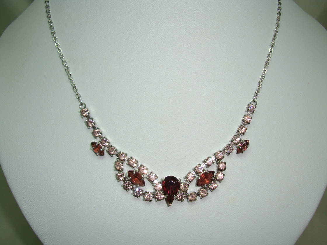 £34.00 - 1930s Art Deco Purple and Pink Diamante Cascade Drop Silver Necklace