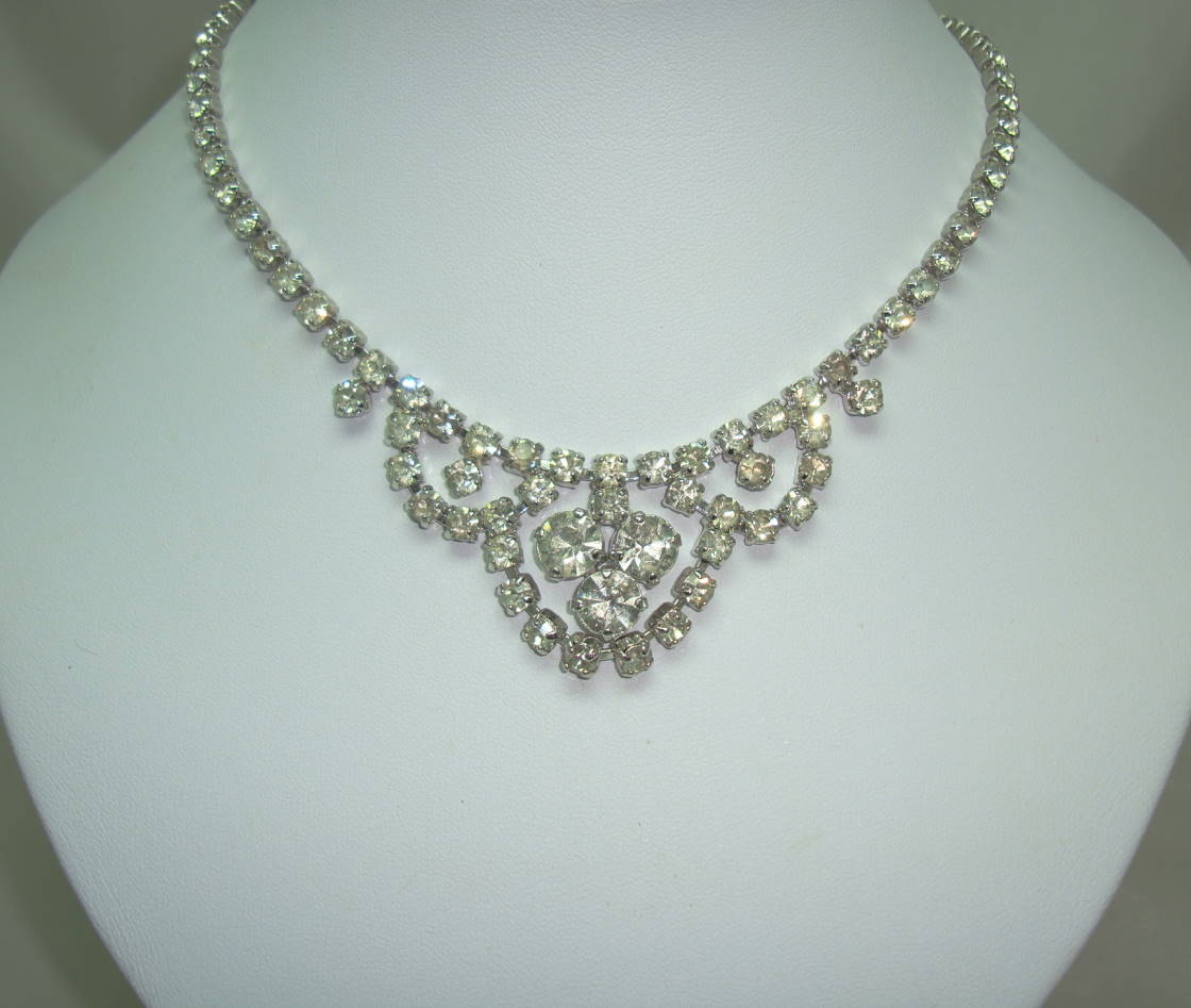 £38.00 - Vintage 50s Glamorous Sparkling Diamante Swag Cascade Drop Necklace