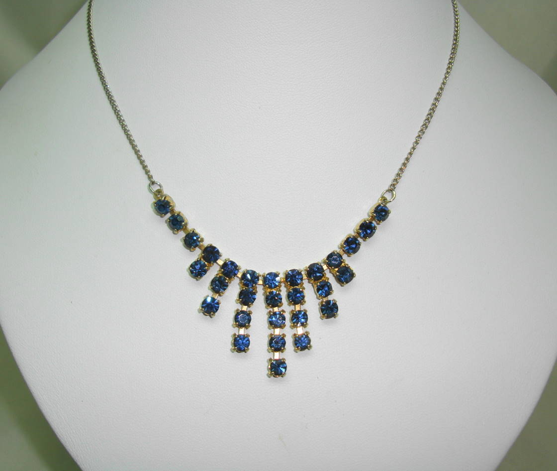 £22.00 - Vintage 50s Sparkling Sapphire Blue Diamante Graduating Drop Necklace