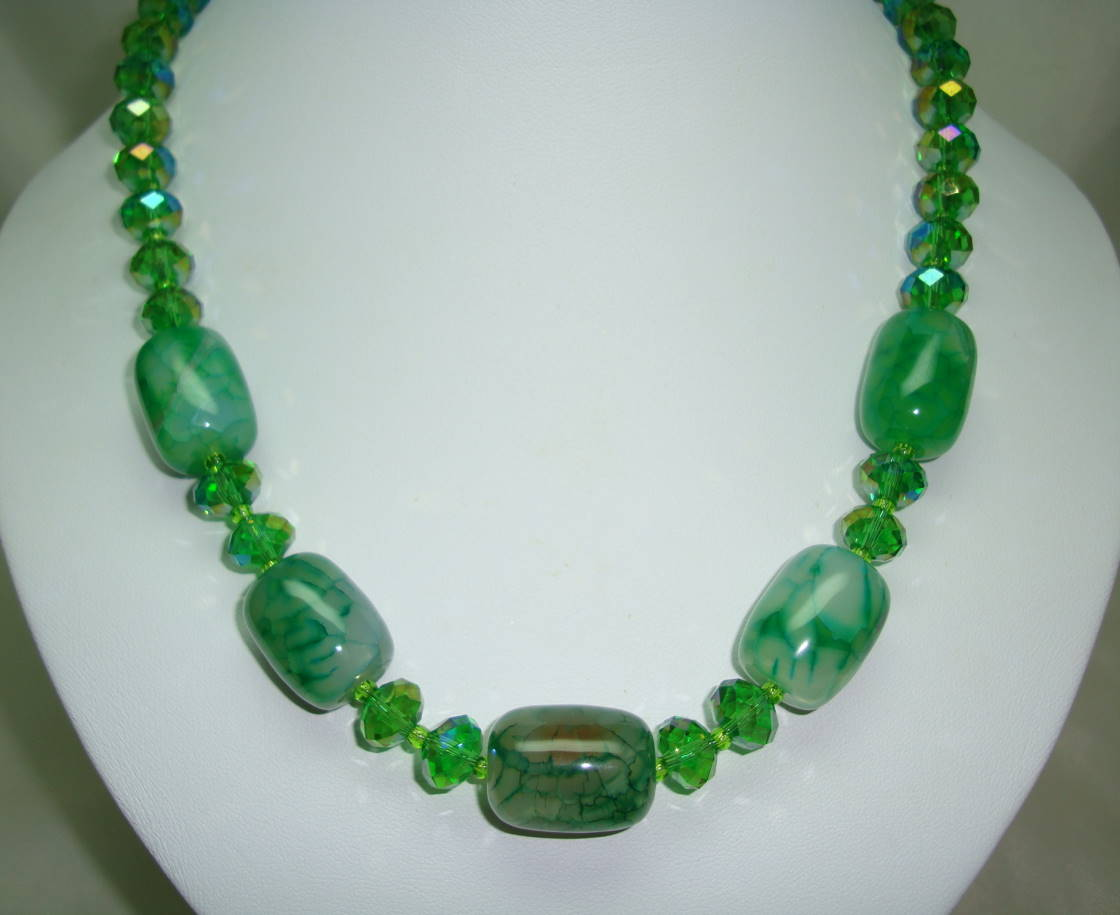 £42.00 - Vintage 50s Green AB Crystal Glass Bead Necklace with Green Agate Beads