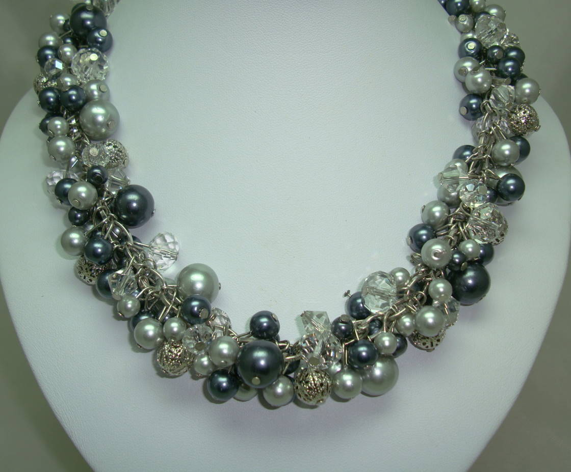 £37.00 - Quality Shades of Grey Faux Pearl Glass & Crystal Bead Dropper Necklace