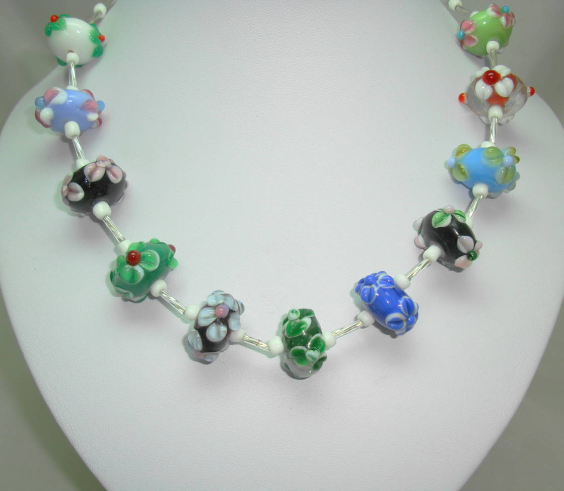 Very Pretty Multicoloured Large Wedding Cake Glass Bead Necklace Stunning