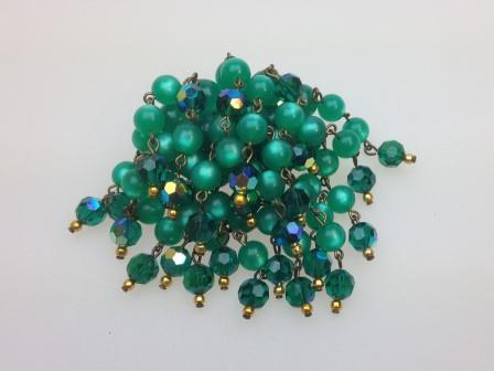 £25.00 - Vintage 50s Green Moonglow and Crystal Glass Bead Waterfall Cascade Brooch
