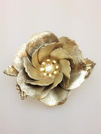 Vintage 50s Stunning Large Goldtone Flower Brooch AB Diamante 3D Effect