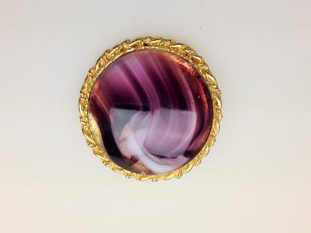 £10.00 - Vintage 1950s Purple Agate Glass Round Goldtone Brooch 4cms