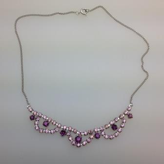 £15.00 - Vintage 50s Sparkling Two Tone Purple Diamante Cascade Silvertone Necklace 45cms