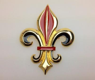 £18.00 - Vintage 80s Quality Fleur De Lis Red and Black Enamel Goldtone Brooch 7.5cms