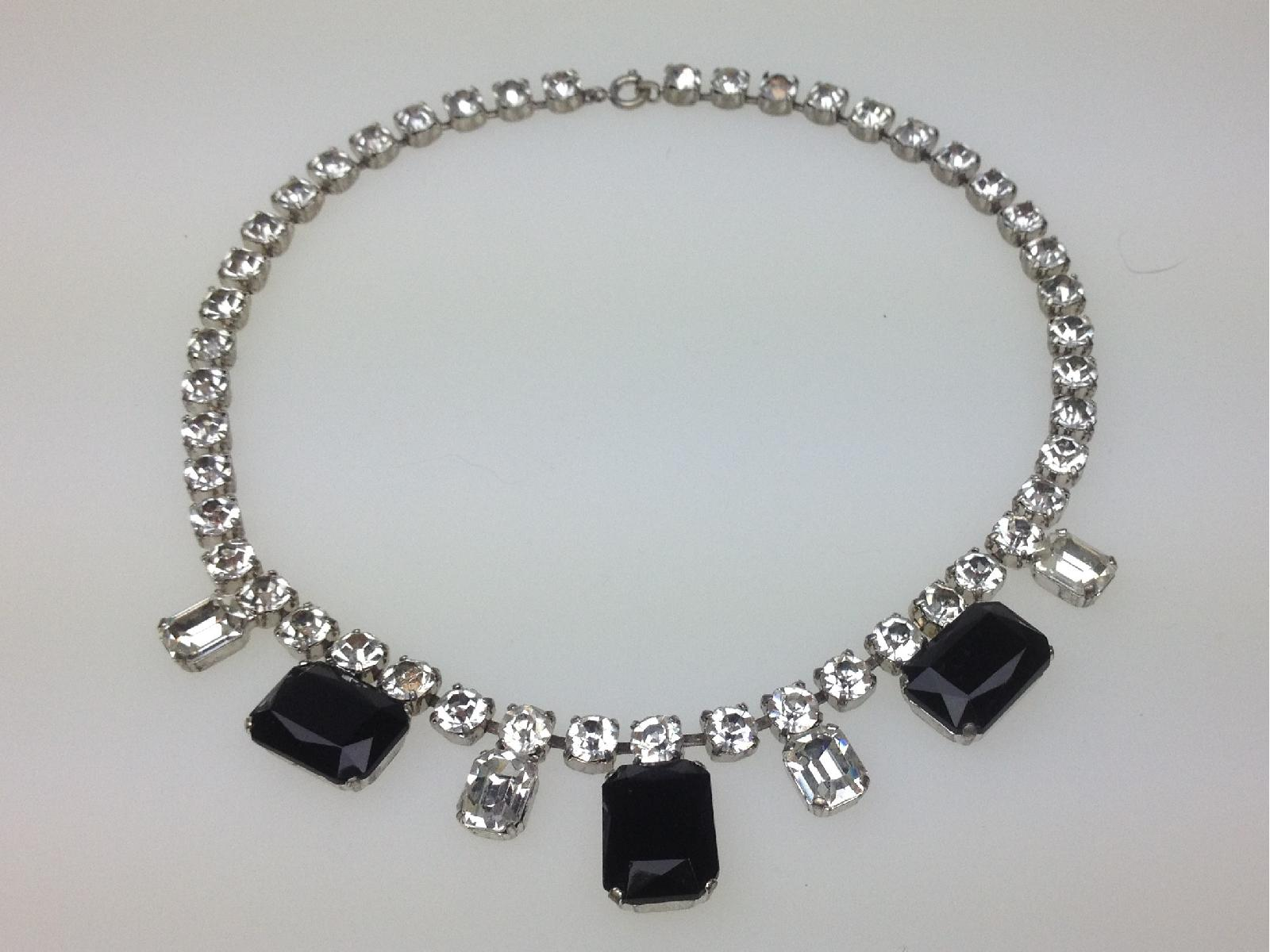 £42.00 - Vintage 30s Art Deco Black and Clear Diamante Statement Necklace Quality!