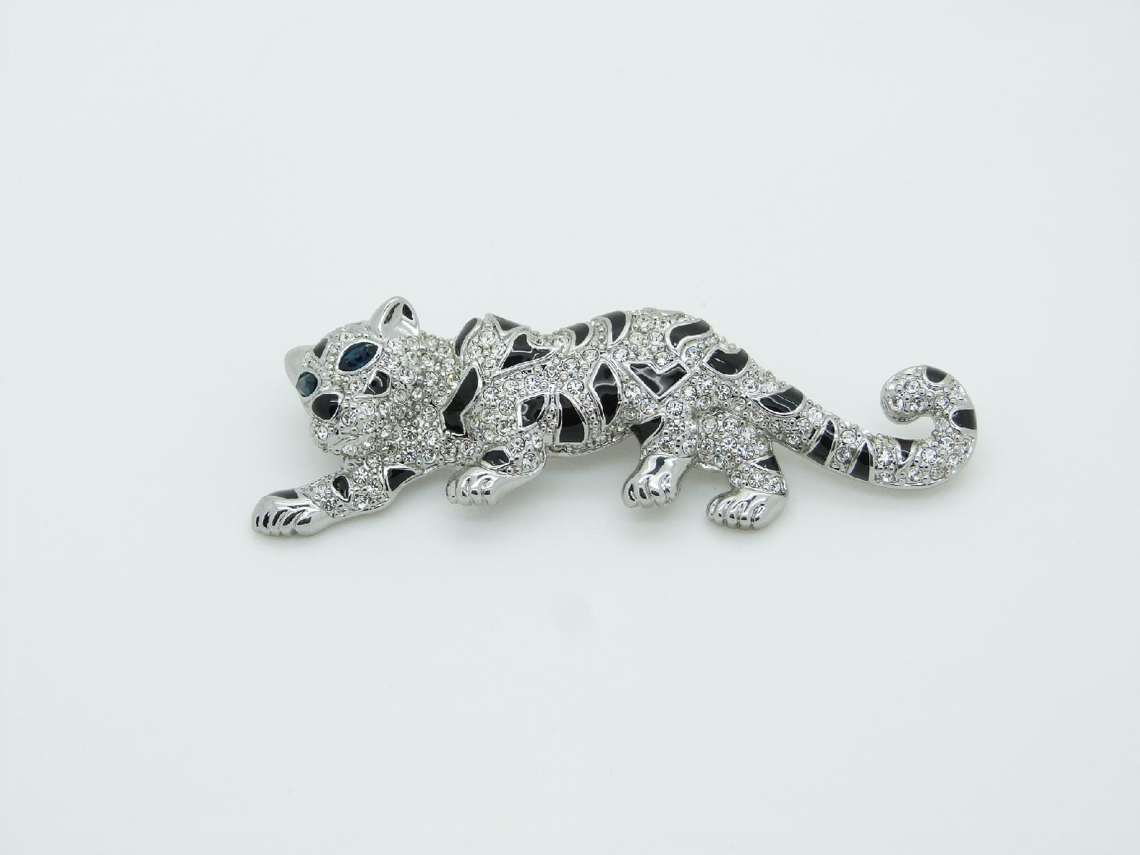 £38.00 - Vintage 80s Stunning Quality Diamante Crystal Silvertone Leopard Brooch