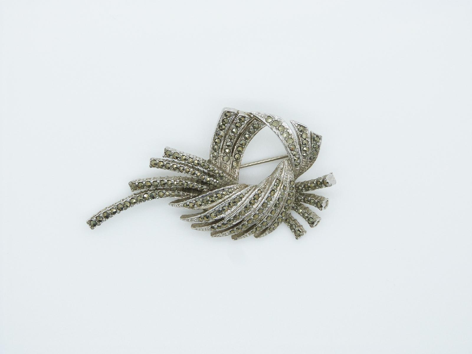 £20.00 - Vintage 40s Signed Sphinx Marcasite Floral Swirl Design Marcasite Brooch