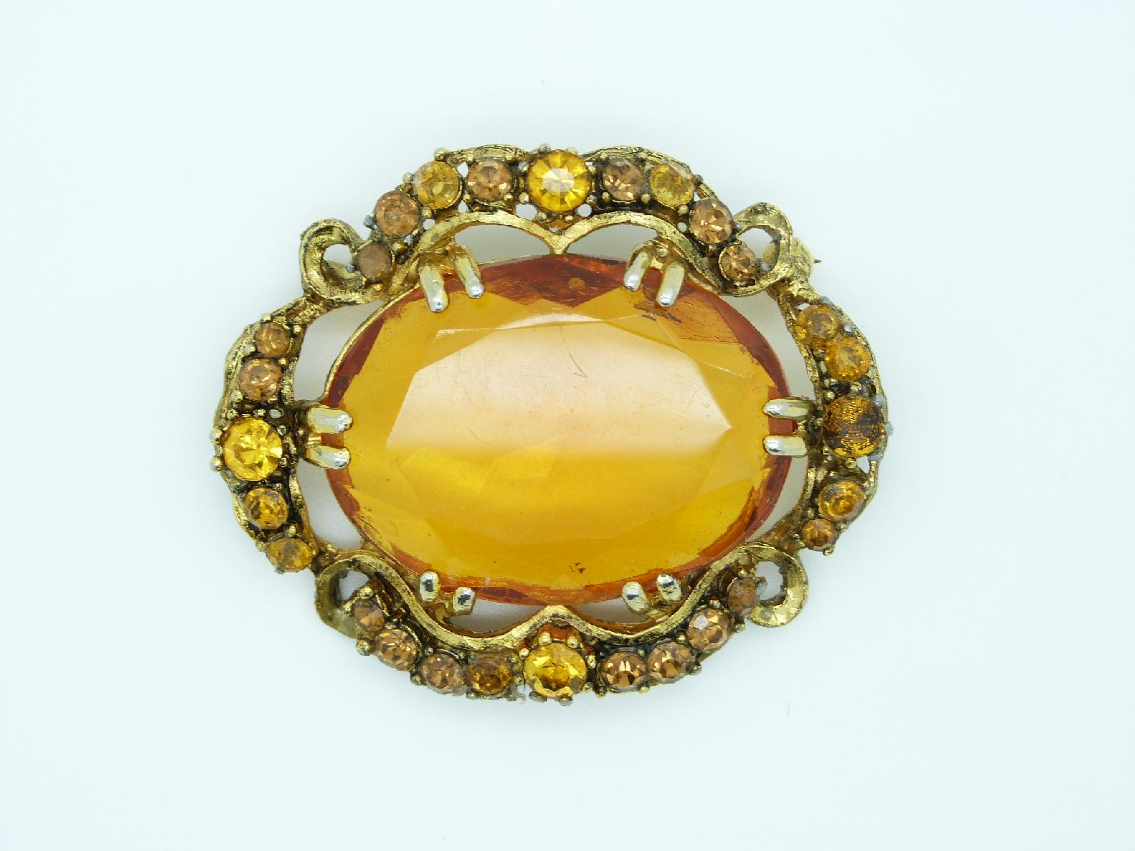 £20.00 - Vintage 50s Amazing Large Amber Glass Diamante Goldtone Oval Brooch 6cms