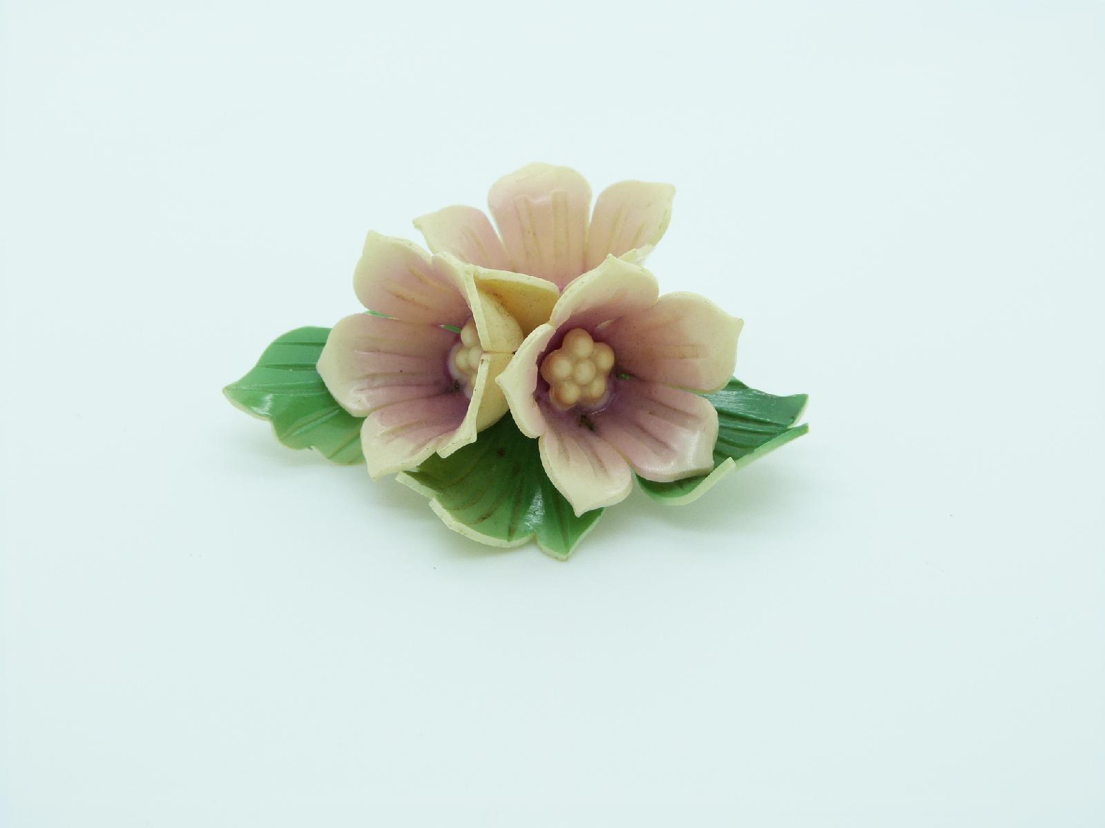 Vintage 30s Amazing Early Plastic Large Three Dimensional Flower Brooch