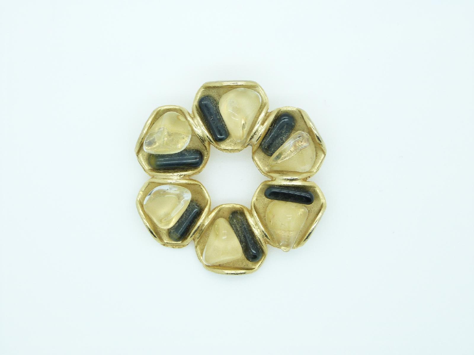 £18.00 - Vintage 60s Modernist Black and Citrine Glass Circle Goldtone Brooch