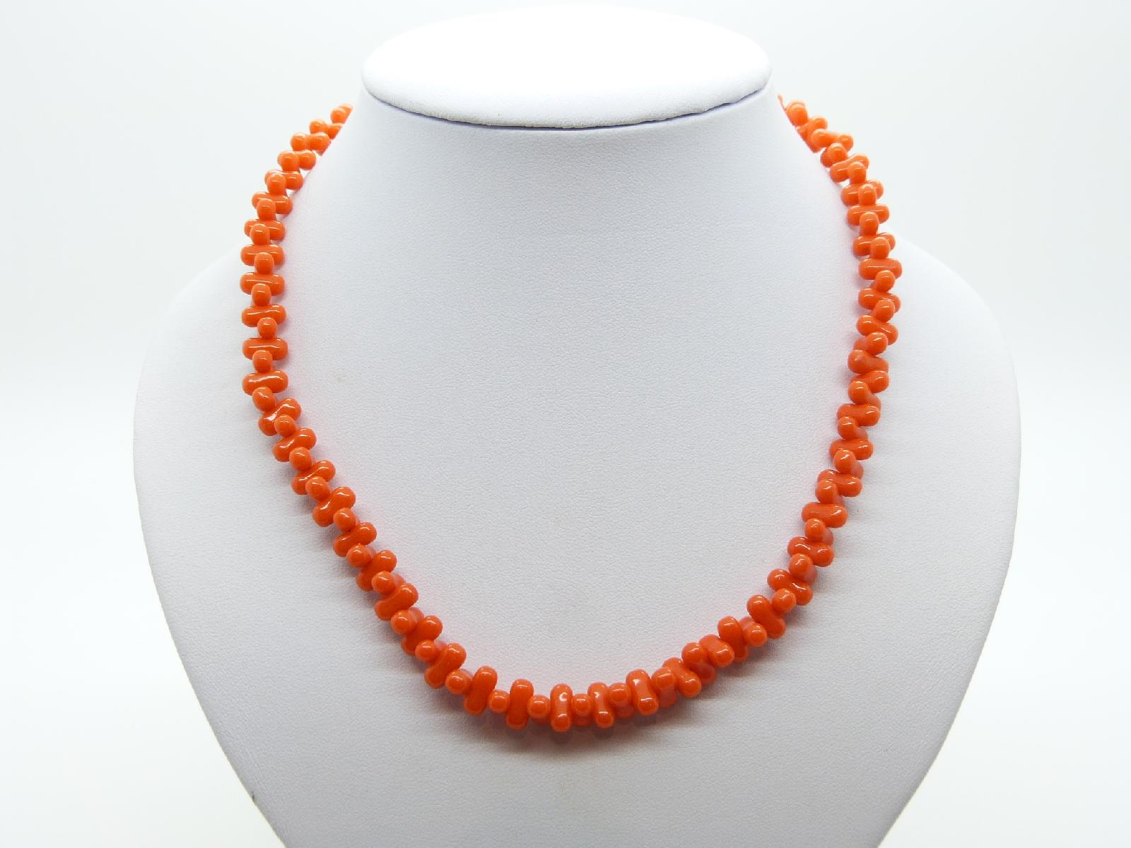 £12.00 - Vintage 60s Unusual and Unique Bright Orange Glass Bead Necklace