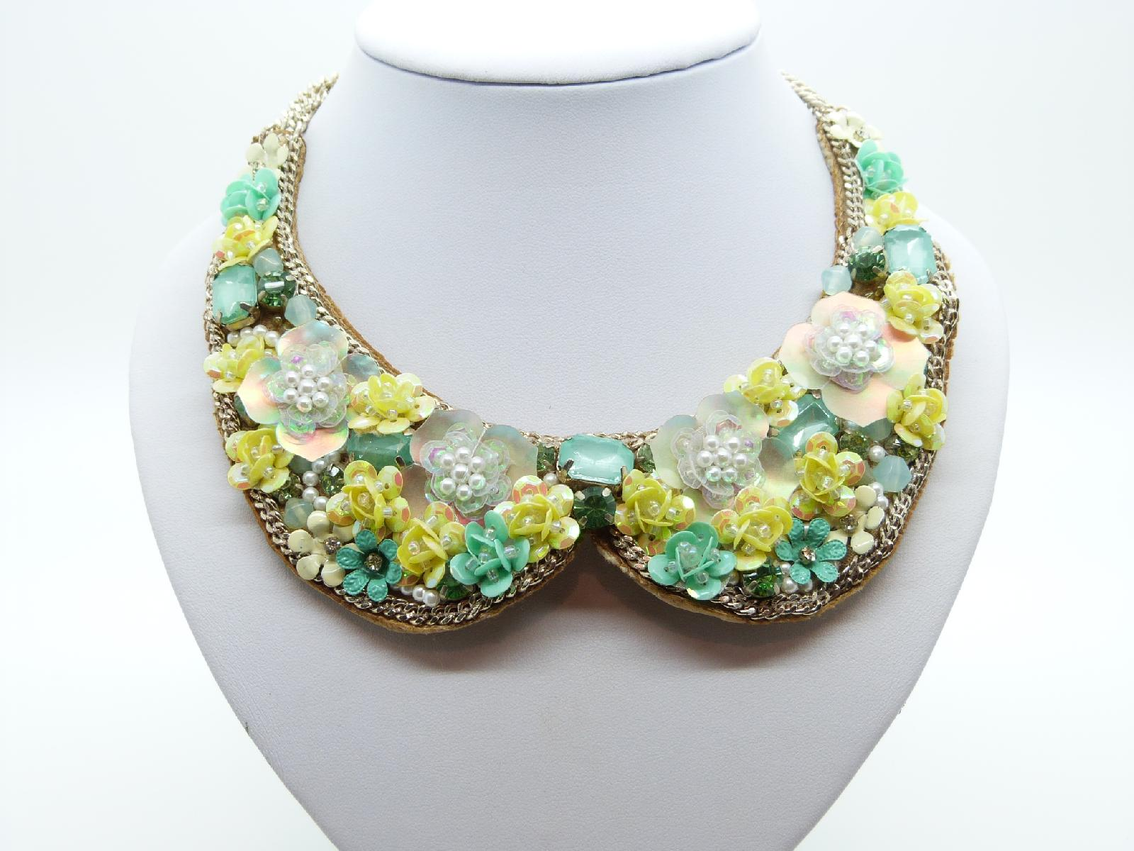 Yellow and Green Flower Sequin Embellished Peter Pan Collar Necklace