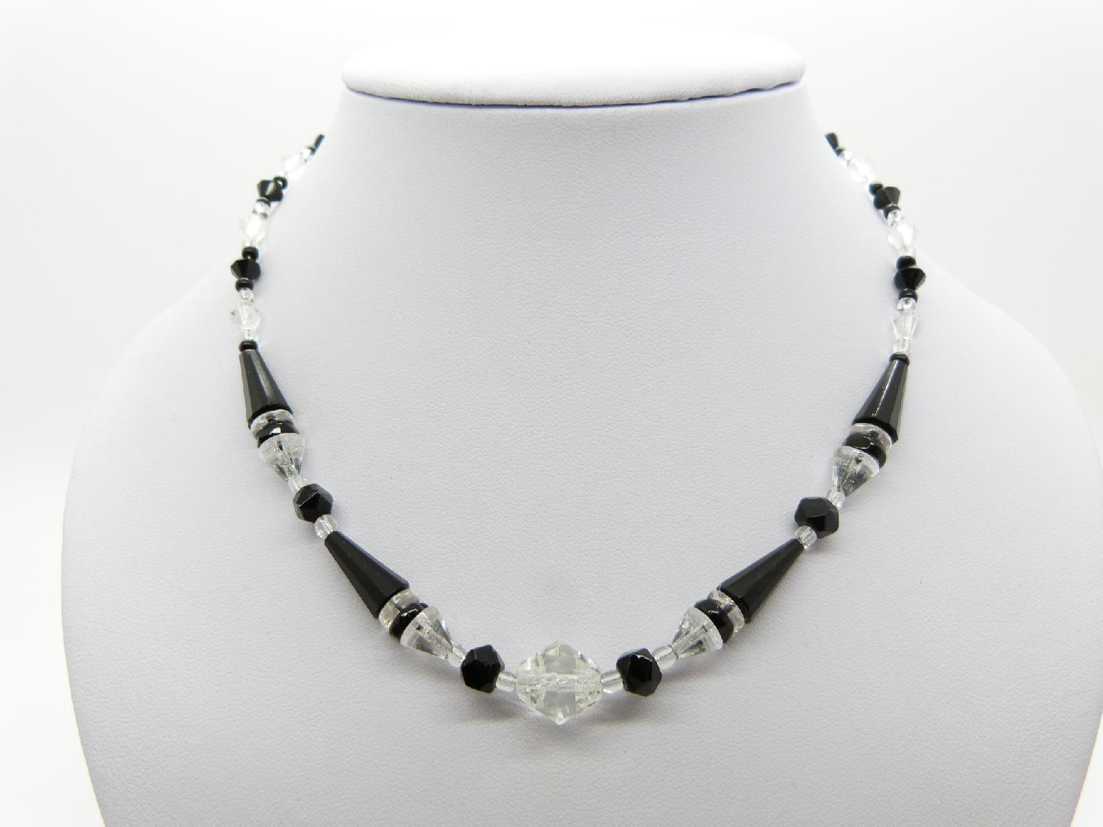 £26.00 - Vintage 30s Art Deco Black and Clear Crystal Glass Geometric Bead Necklace 44cms