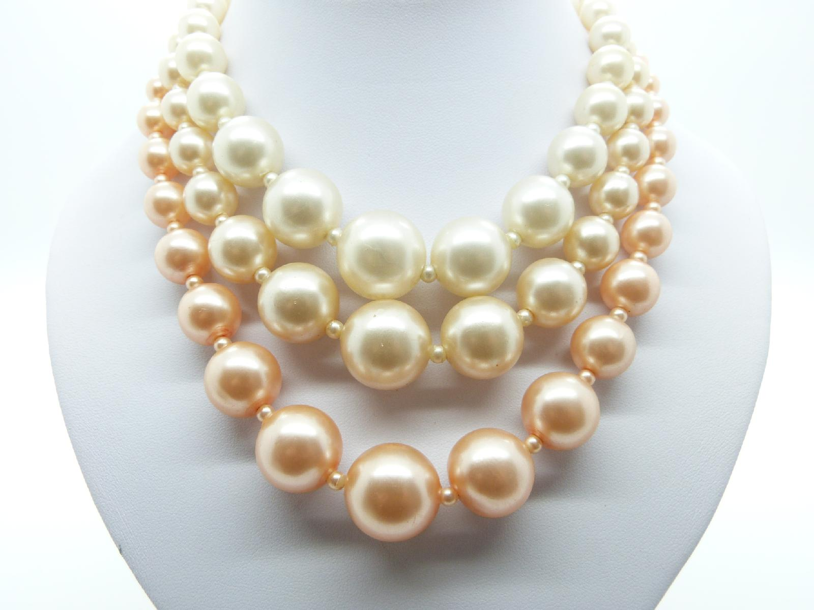 Vintage 50s Chunky Three Row White and Pink Faux Pearl Bead Necklace 47cms