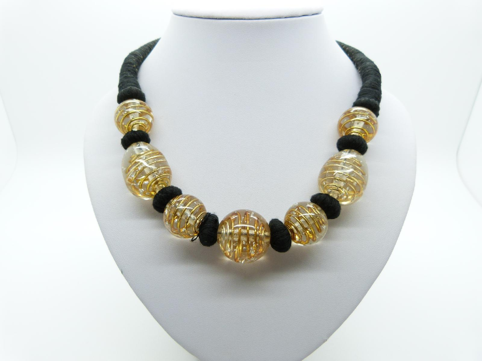 £22.00 - Vintage 80s Attractive Gold Spiral Murano Glass Bead Black Corded Necklace 51cms