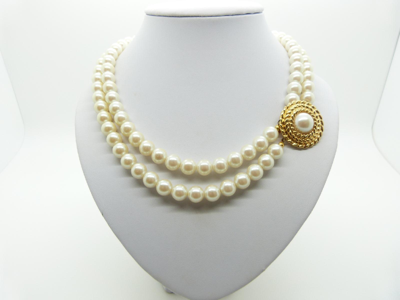 £23.00 - Vintage 80s Classy Two Row Faux Pearl Bead Necklace with Gold Side Clasp