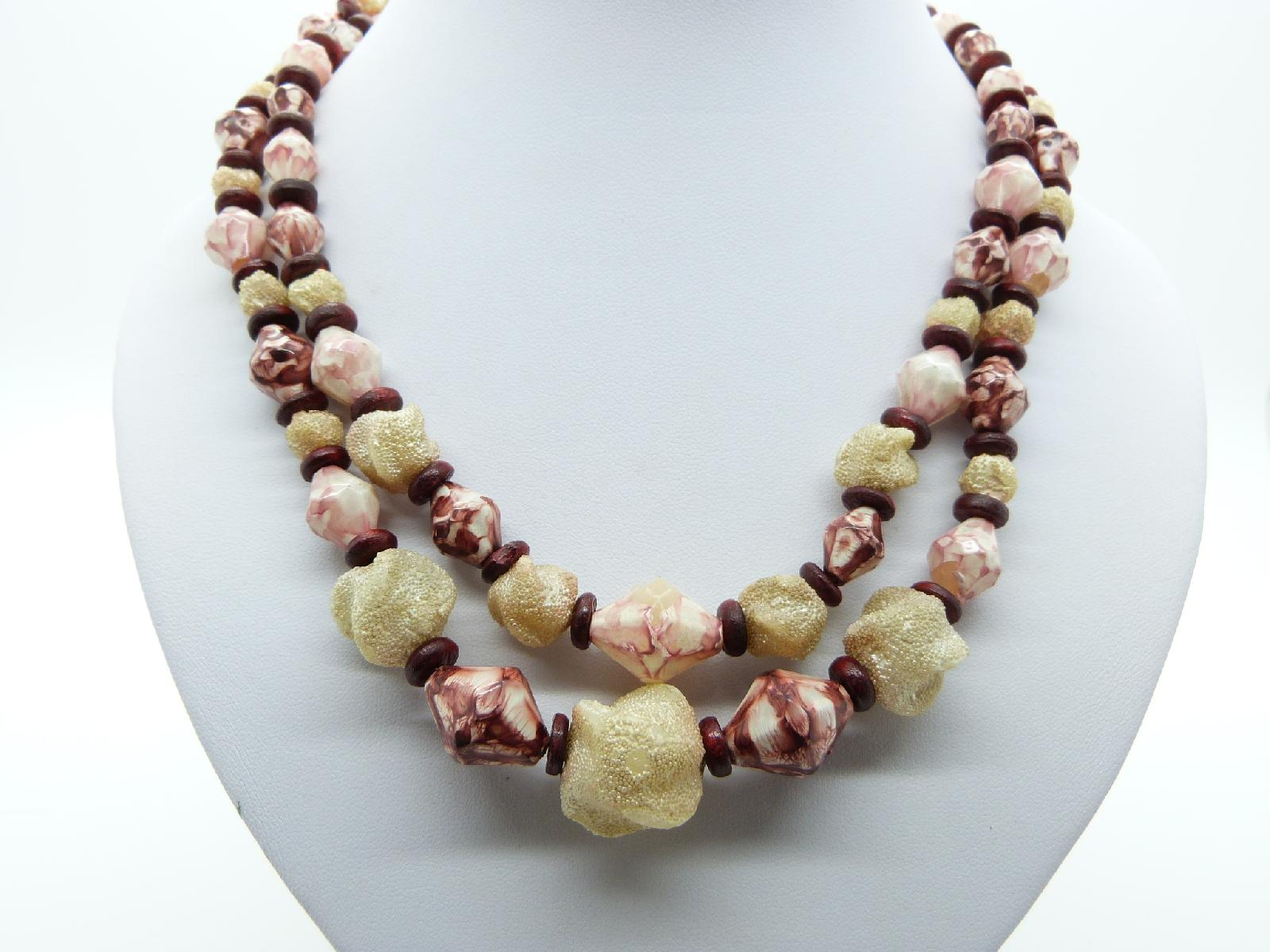 Vintage 50s Two Row Cream and Maroon Lucite Plastic Textured Bead Necklace