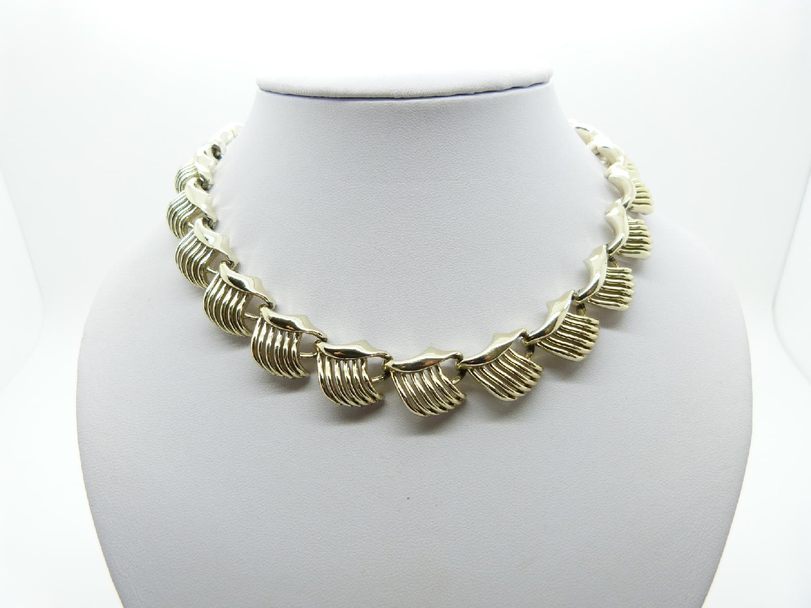 £23.00 - Vintage 50s Unsigned Jewelcraft Fancy Link Goldtone Articulated Necklace