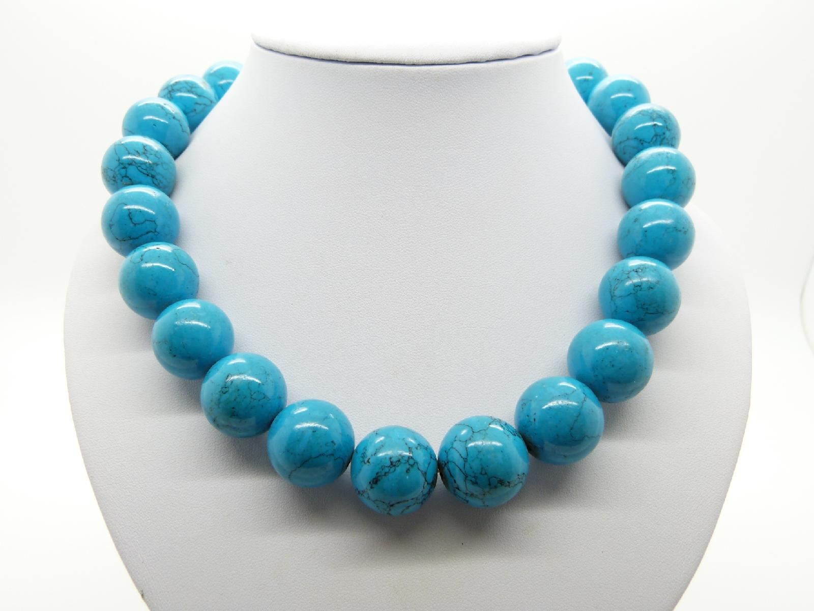 £50.00 - Stunning and Elegant Real Turquoise Chunky Bead Statement Necklace