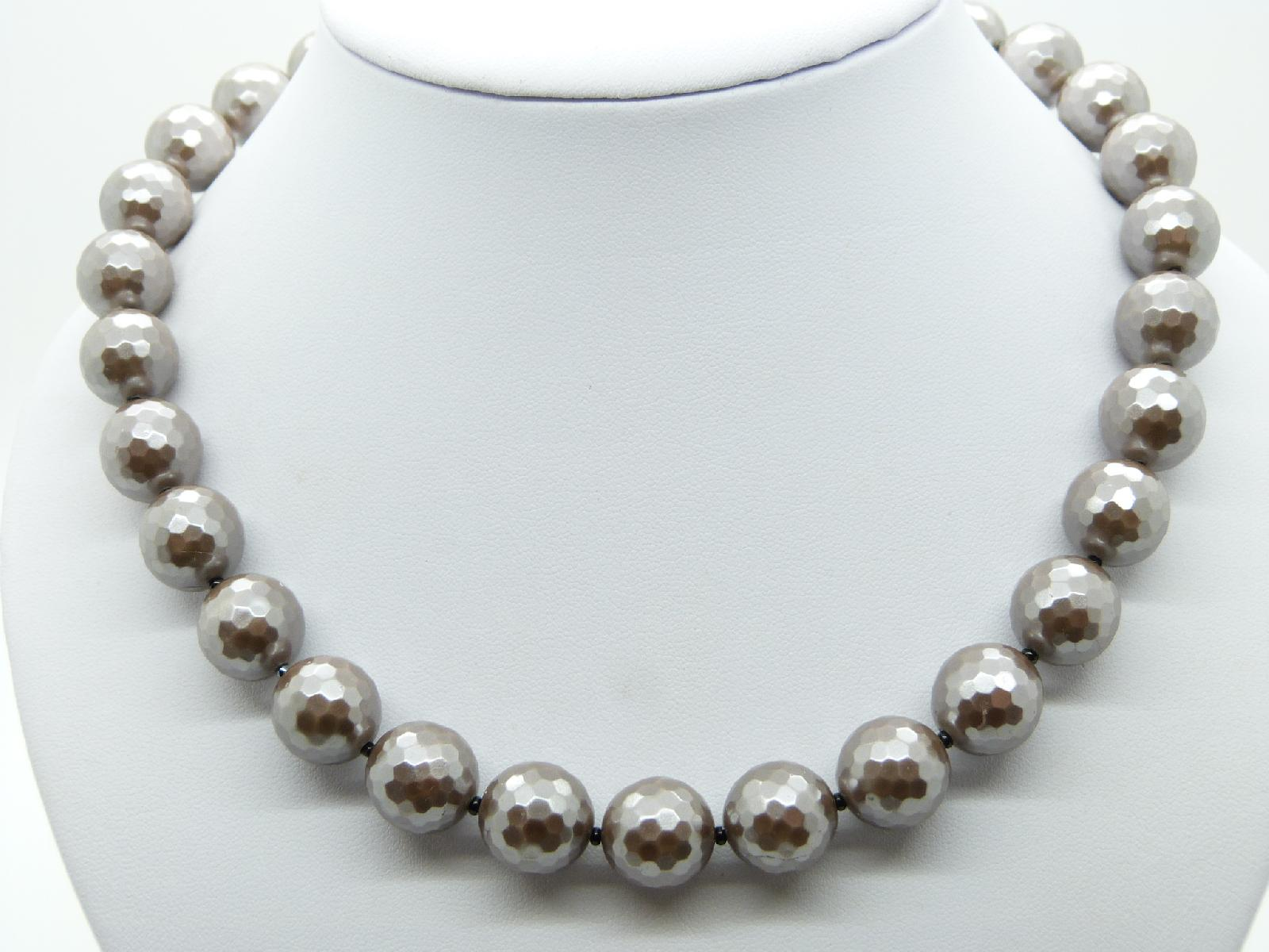 Vintage 50s Very Attractive Silver Grey Faceted Glass Bead Necklace Quality