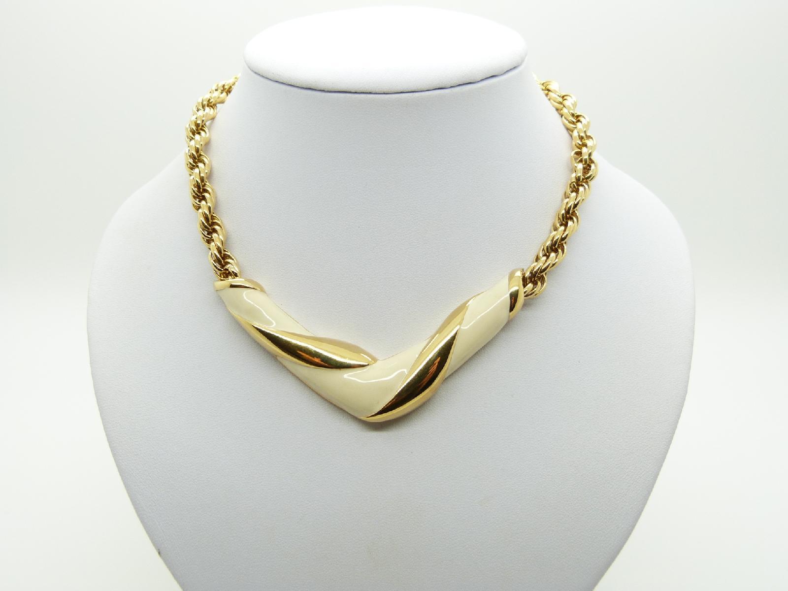 £24.00 - Vintage 80s Quality Designer Cream Enamel and Goldtone V Shaped Necklace