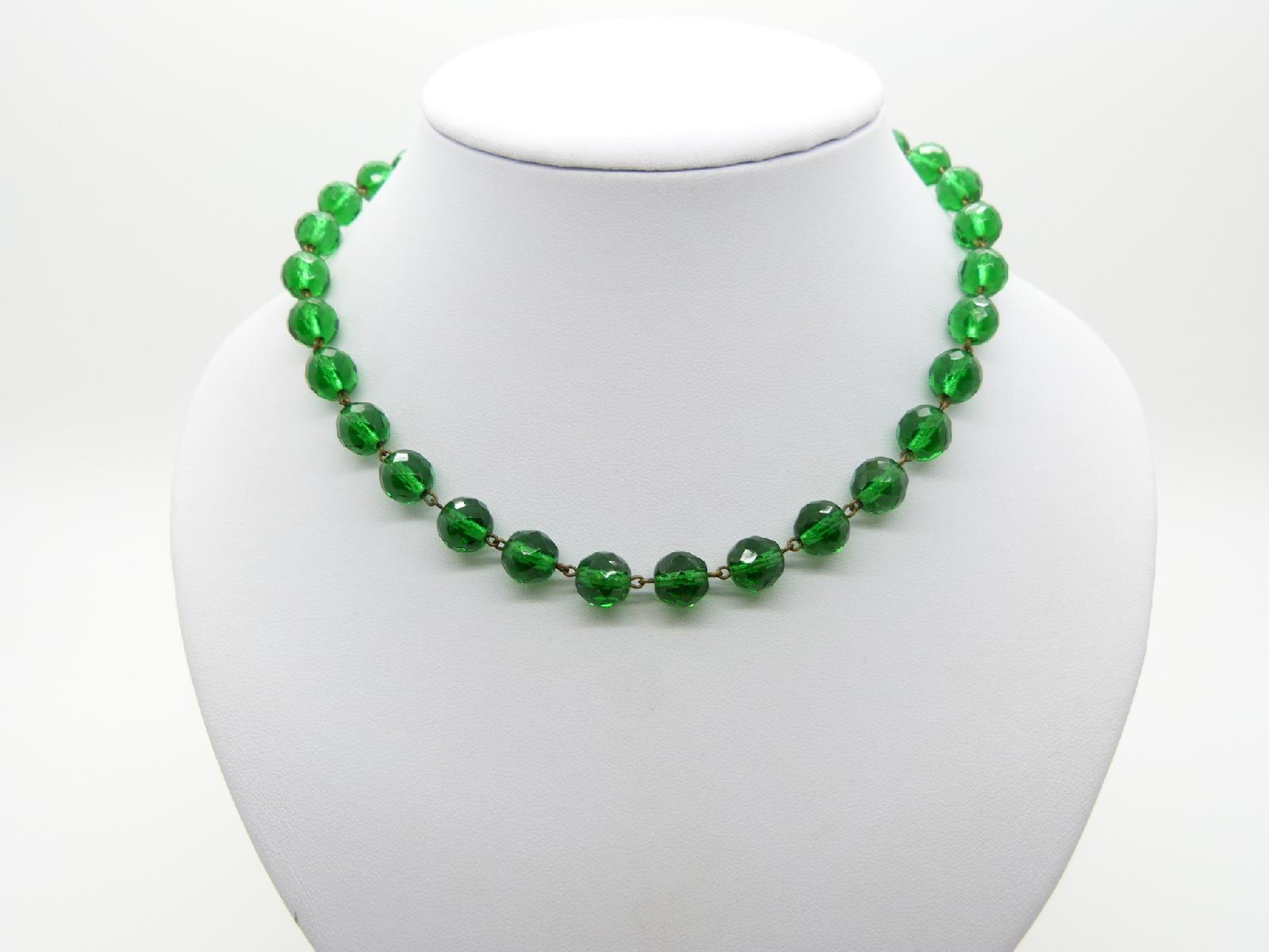 Vintage 30s Stunning Emerald Green Crystal  Faceted Glass Bead Necklace