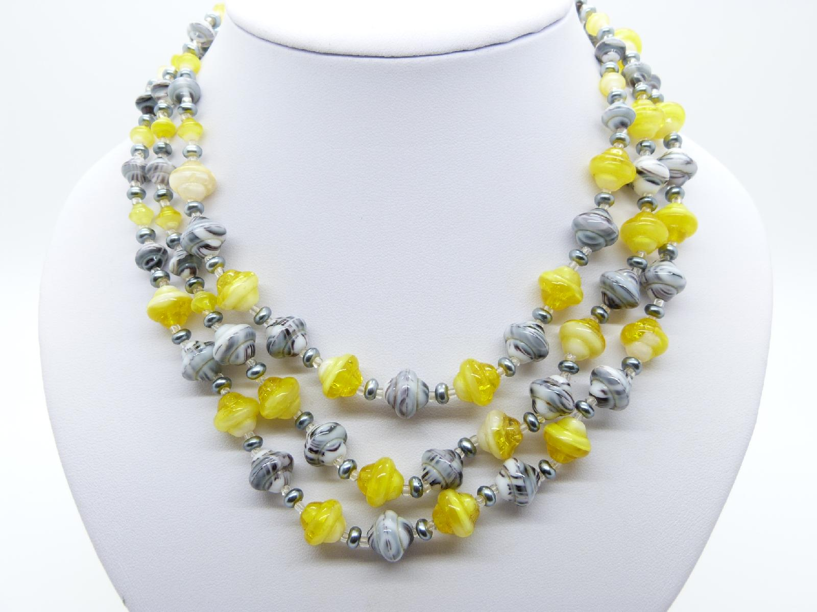£40.00 - Vintage 50s Three Row Yellow and Grey Swirl Murano Glass Bead Necklace