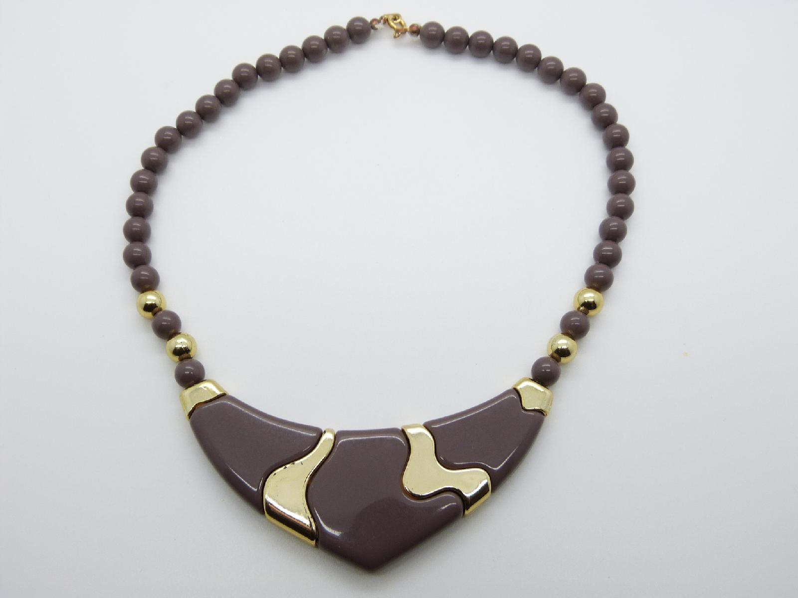 £13.00 - Vintage 70s Unique Brownish Purple and Gold Lucite V Shaped Bead Necklace