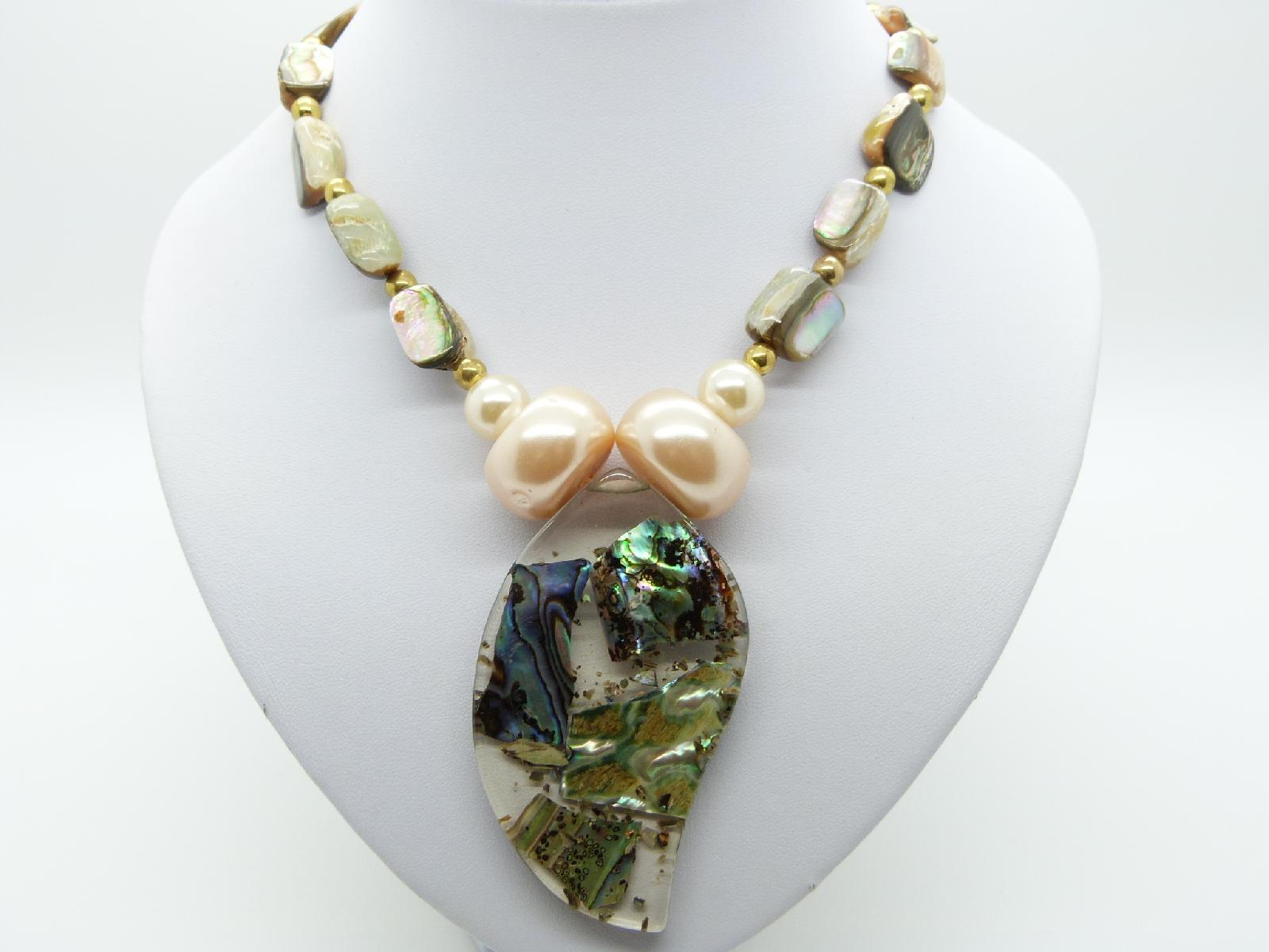 £38.00 - Vintage 50s Abalone Bead and Pearl Necklace with Fab Large Lucite Pendant