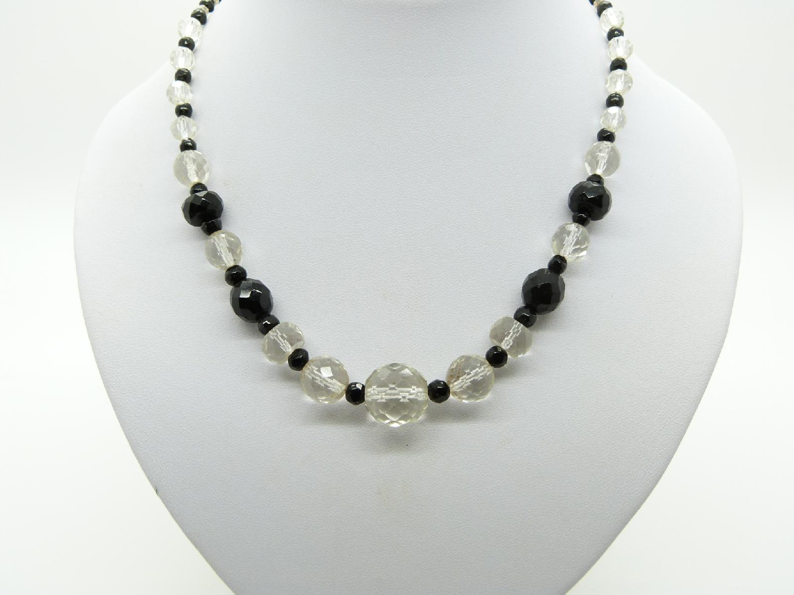 £24.00 - Vintage 30s Art Deco Monochrome Black and White Crystal Glass Bead Necklace