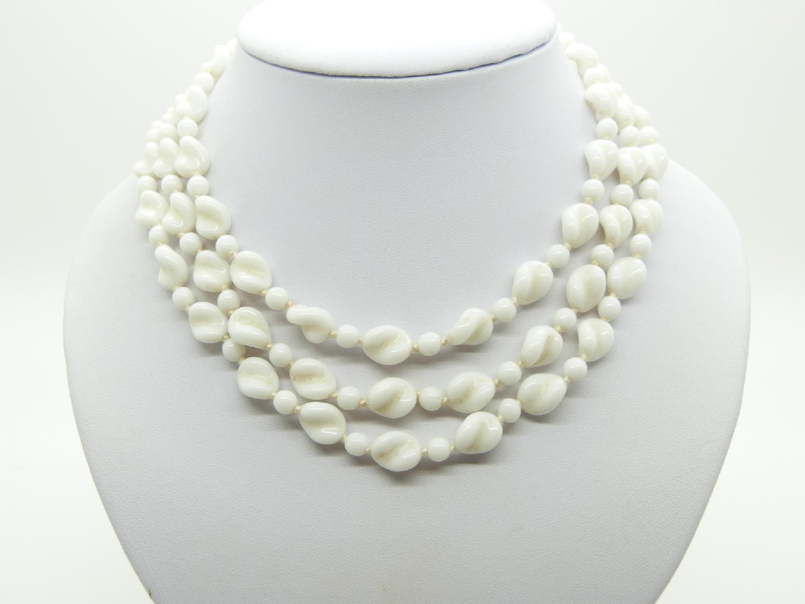 Vintage 50s Pretty Three Row White Glass Swirl Bead Necklace Length 46cms
