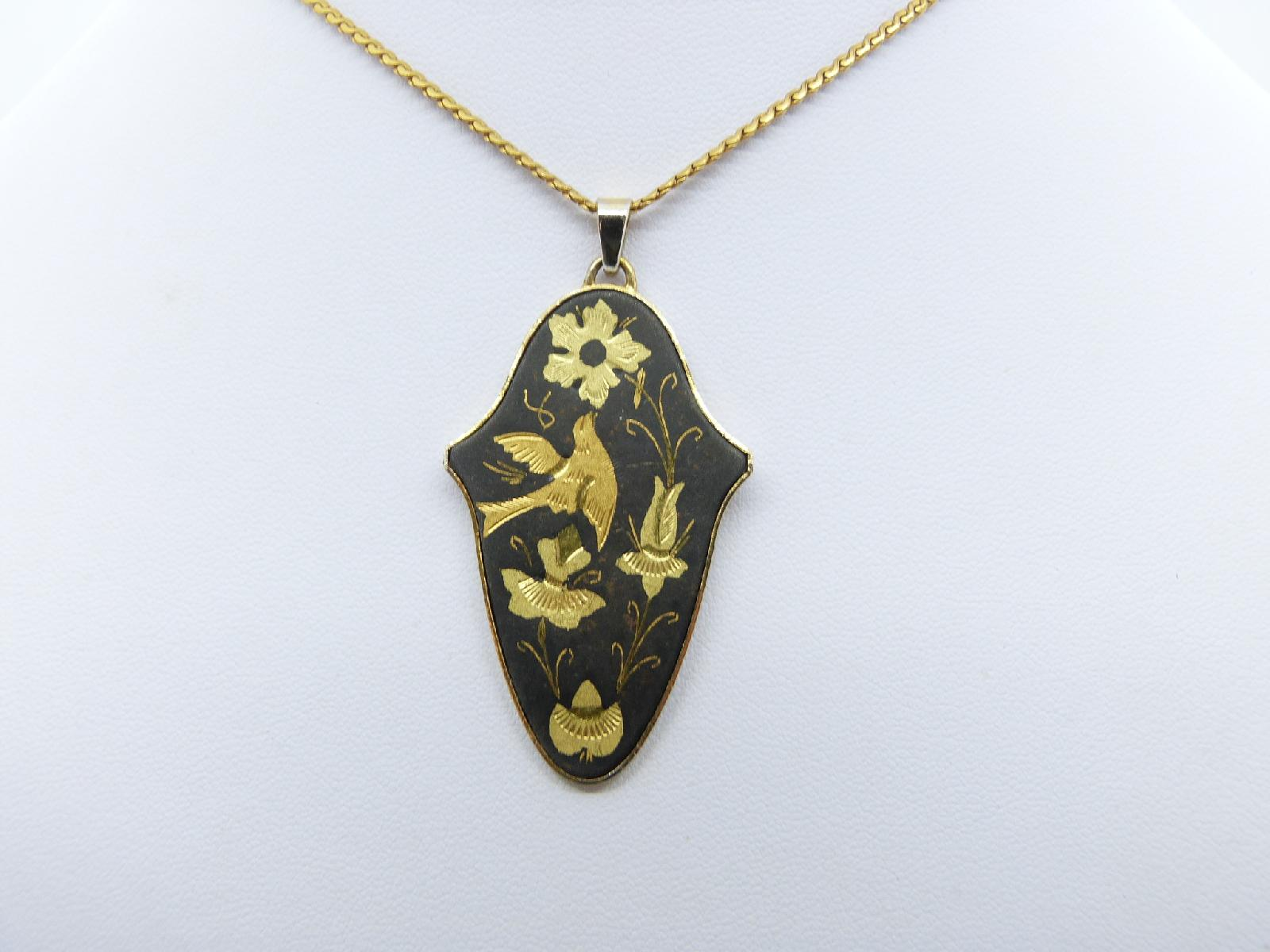 £25.00 - Vintage 70s Japanese Black and Goldplated Bird and Flowers Pendant Necklace
