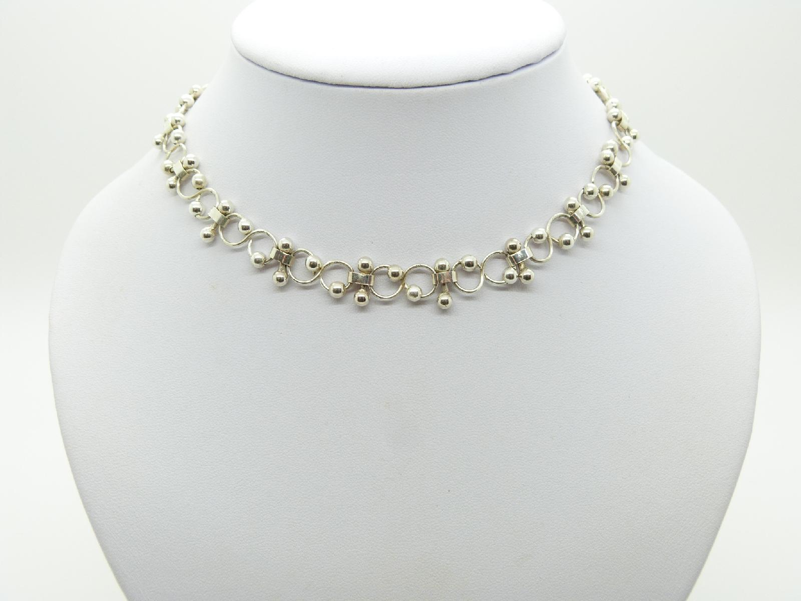 Pretty and Delicate Silver Plated Fancy Link Choker Necklace 39cms