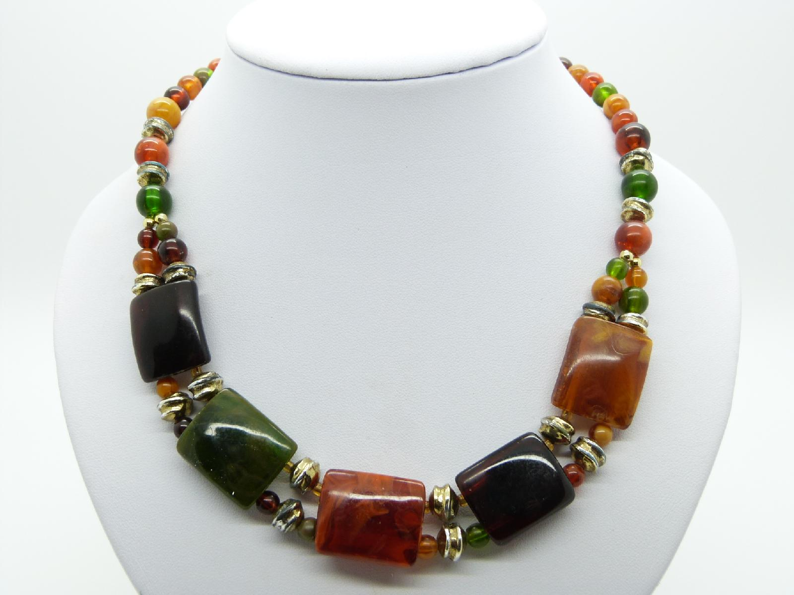 Vintage 70s Attractive and Unique Green and Amber Lucite Bead Necklace 49cms