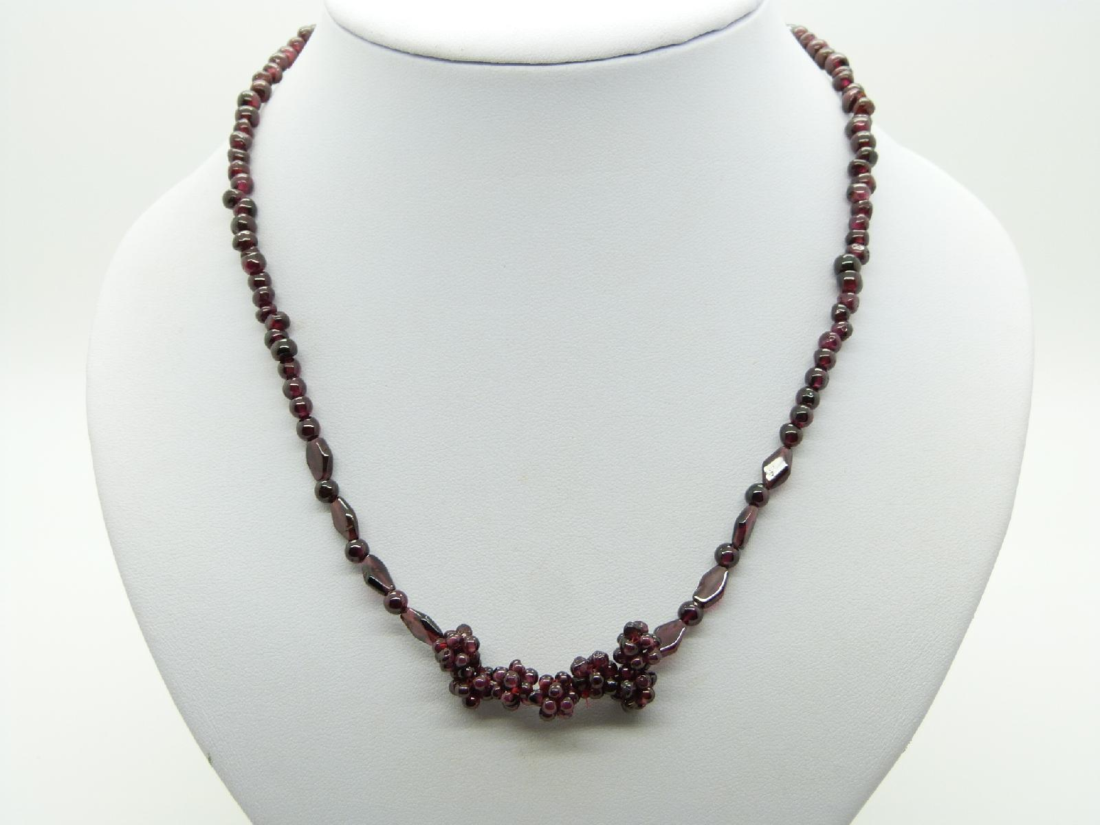 £8.00 - Delicate and Pretty Garnet Glass Cluster Bead Necklace 47cms