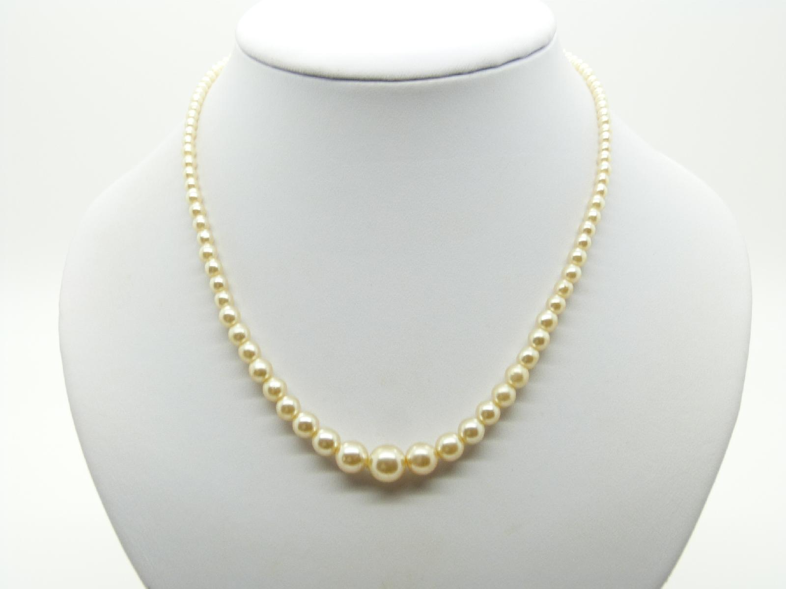 Vintage 30s Pretty Glass Faux Pearl Bead Graduating Necklace 65cms