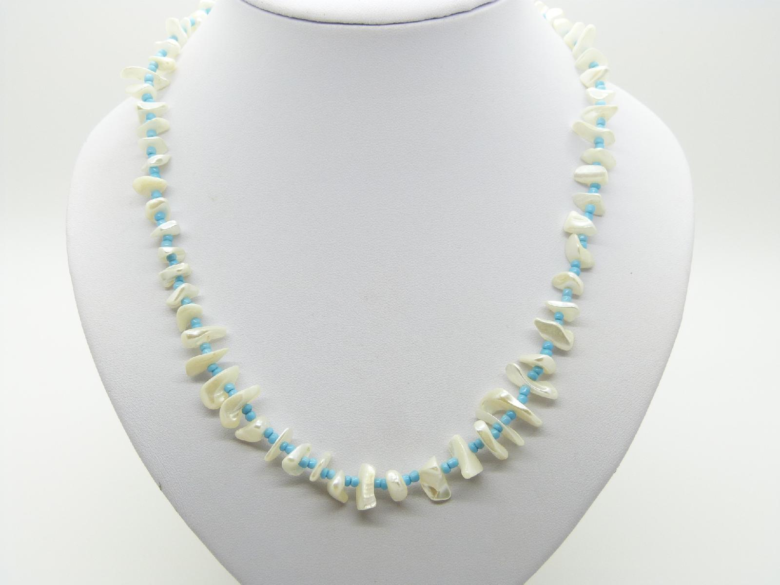 £13.00 - Vintage 30s Mother of Pearl Bead and Turquoise Glass Bead Necklace and Earrings 53cms