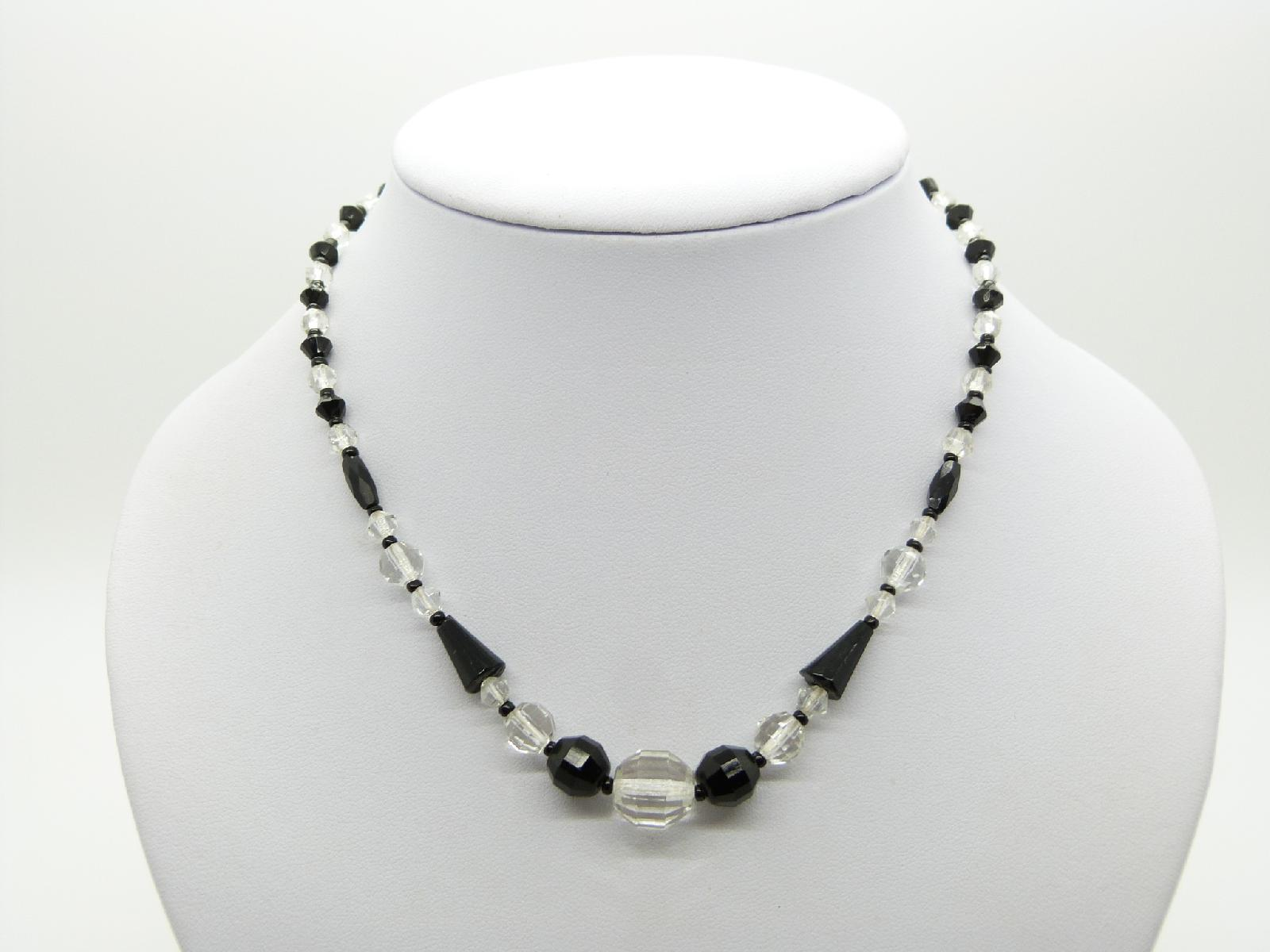 £20.00 - Vintage 30s Monochrome Black and White Crystal Glass Bead Necklace 43cms Long