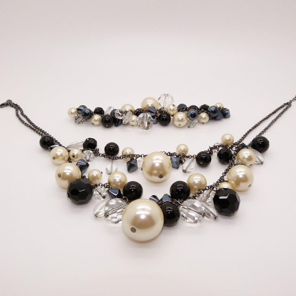 £20.00 - Coast Black Beads Crystals and Pearl Necklace and Bracelet Set