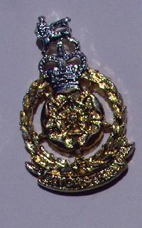 £6.00 - Collectable  British  Military  Badge 10099