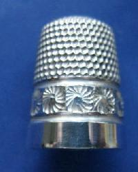 Collectable Hallmarked Silver Thimble 10208