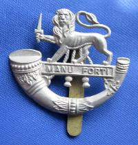 £6.00 - Collectable  British  Military Cap Badge 10364