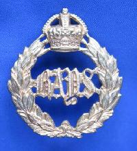 £6.00 - Collectable  British  Military Cap Badge 10376